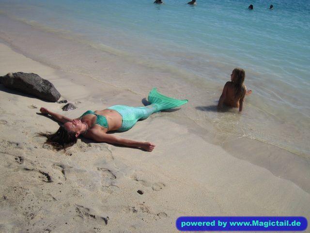 Meine Meerjungfrauen:on the beach ;-)-kirsten